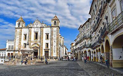 Praca do Giraldo in Évora in Alentejo, Portugal. Flickr:Jocelyn Erskine-Kellie