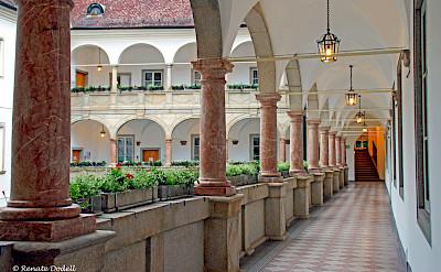 <i>Arkadenhof im Linzer Landhaus</i> in Linz, Austria. Flickr:Renate Dodell