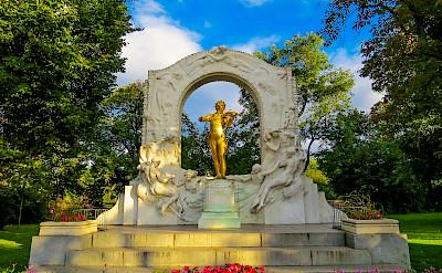 Johann Strauss in Stadtpark in Vienna, Austria. Photo via Flickr:Kiefer