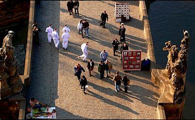 Charles Bridge, the famous pedestrian bridge in Czech Republic. Flickr:Guillén Peréz