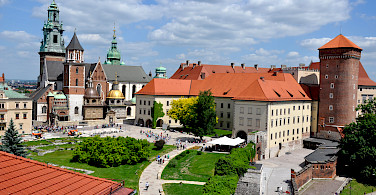 Wawel Castle and Cathedral in Krakow, Poland. Photo via Flickr:Corinee Cavallo