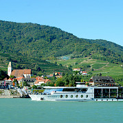 Along the Danube River in Passau - Primadonna - Bike & Boat Tours