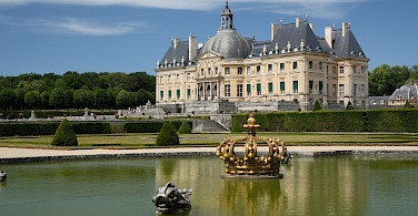 Chateau Vaux-le-Vicomte near Melun, France. Photo via Flickr:Olga Khomitsevich