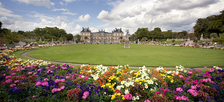Luxembourg Palace & Gardens is a popular park in Paris, France. Photo via Flickr:Kosala Bandara