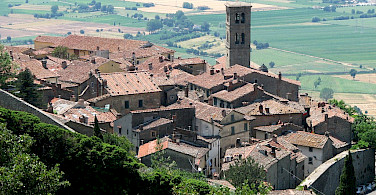 Scenic Cortona in Arezzo, Tuscany, Italy. Photo via Wikimedia Commons:Patrick Denker