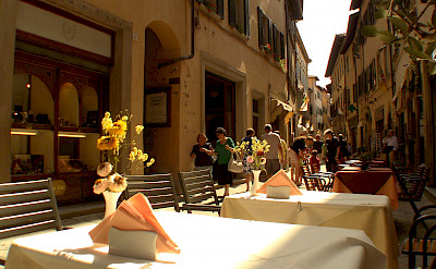 Shopping and dining in Cortona, Arezzo, Tuscany, Italy. Flickr:Stefano Costantini