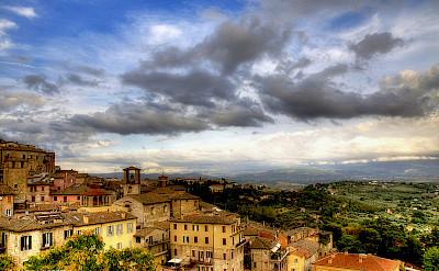 Overlooking Perugia, Italy. Flickr:Carlos Granchius Bonini
