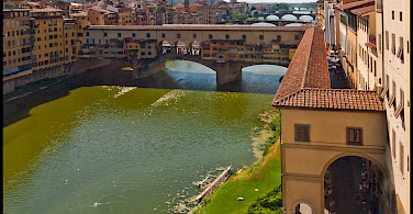 Exploring the famous Ponte Vecchio, Florence, Italy. Photo via Flickr:Guillen Perez