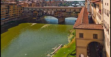 Exploring the famous Ponte Vecchio, Florence, Italy. Photo via Flickr:Guillen Perez