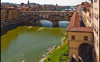 Exploring the famous Ponte Vecchio, Florence, Italy. Flickr:Guillen Perez