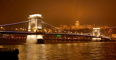 Chain Bridge in Budapest, Hungary. Photo via Flickr:ohhenry415
