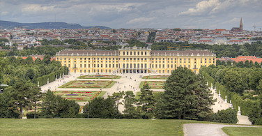 Schönbrunn Castle in all its splendor! Vienna, Austria. Photo via Flickr:Max Pfandl