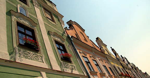 Gorgeous 16th century homes in Telc, Czech Republic. Photo via Flickr:Donald Judge