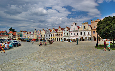 Zacharias of Hradec Square in Telč with its famous 16th century houses. CC:xkomczax