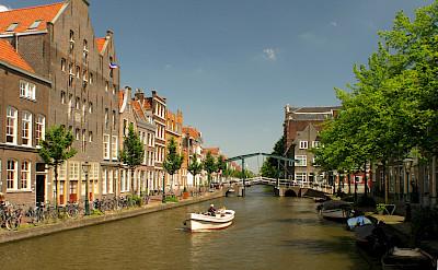 Oude Rijn in Leiden, the Netherlands. CC:Erik Zachte
