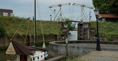 Harbor entry in Schoonhoven, the Netherlands. Photo via Flickr:Ronald van der Graaf