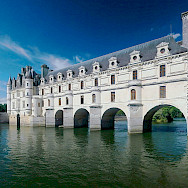Château de Chenonceau over the Cher River, Loire Valley, France. Wikimedia Commons:Ra-smit