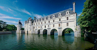 Château de Chenonceau over the Cher River, Loire Valley, France. Photo via Wikimedia Commons:Ra-smit