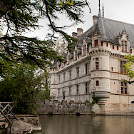 Château d'Azay-le-Rideau enchants on the Indre River, France. Flickr:Anna & Michal