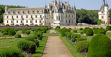 Château de Chenonceau, Loire Valley, France. Photo via Flickr:Dennis Jarvis