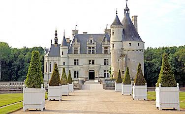 Château de Chenonceau, Loire Valley, France. Photo via Wikimedia Commons:Dennis Jarvis