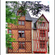 Half-timbered house in Saumur, France. Flickr:@lain G