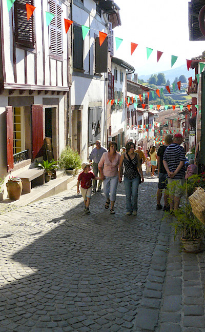 Cobbled streets of Saint-Jean-Pied-de-Port at the start of Camino Francés, France. Photo via Flickr:Giovanni Riccardi