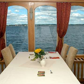 MS Classic Lady - Dining room - MS Classic Lady | Bike & Boat Tours