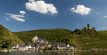 Biking and boating along the Mosel in Beilstein, Germany. Photo via Flickr:Anna & Michal