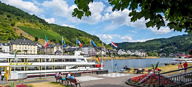 Cochem on the Mosel River with hillside vineyards, Germany. Photo via Flickr:Frans Berkelaar