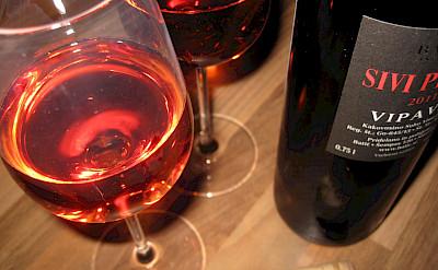 Slovenian wine. Flickr:Markodvornik