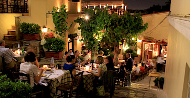 Dining in Athens, Greece. Flickr:Monika Monika