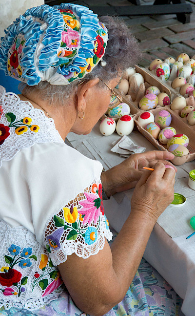 Egg painting at the Folk House in Kalocsa, Hungary. Flickr:Gary Bembridge