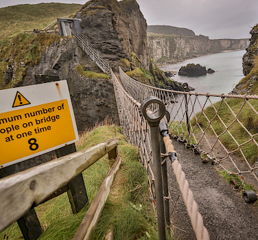 Carrick-a-Rede Rope Bridge, Northern Ireland, United Kingdom. Photo via Flickr:Tony Webster