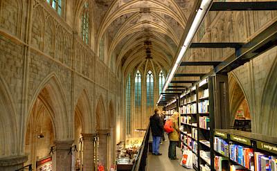 Church-turned-Bookstroe in Maastricht, Limburg, the Netherlands. Flickr:Bert Kaufmann