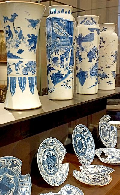 Porcelain from a sunken ship in Limburg, the Netherlands. Flickr:Dennis Jarvis