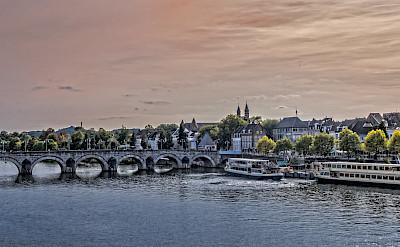 Sint Servaasbrug in Maastricht, Limburg, the Netherlands. Flickr:Frans Berkelaar
