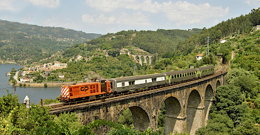 Train in Regua, Portugal. Photo via Flickr:Nelso Silva