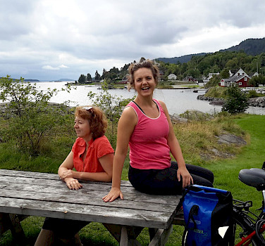 Bike rest on the Oslofjord tour. Photo courtesy of Merlot Reiser