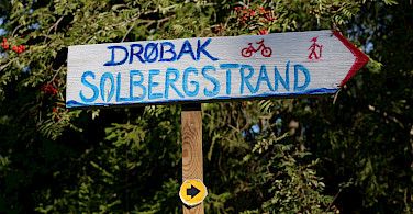 Signs along the Oslofjord Bike Tour. Photo courtesy of Merlot Reiser