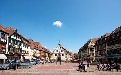 Beautiful square in Obernai along the Alsace Wine Route, France. Flickr:Rodrique ROMON