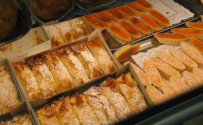 Pastries in Aveiro, Portugal. Flickr:Joaoalves
