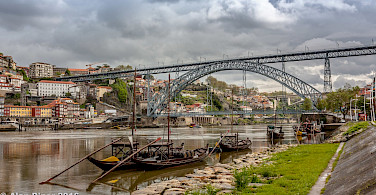 Douro River in Porto, Portugal. Flickr:PapaPiper