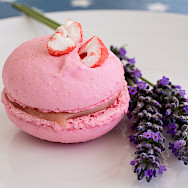 Strawberry macaron from Pâtissier Chocolatier J. David in Aveyron, France. Photo via Wikimedia Commons:MsSaraKelly
