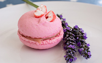 Strawberry macaron from Pâtissier Chocolatier J. David in Aveyron, France. Photo via Wikimedia Commons:MsSaraKelly