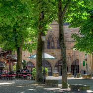 Courtyard in Cordes-sur-Ciel, department Tarn, France. Photo via Flickr:LLoyd Morgan