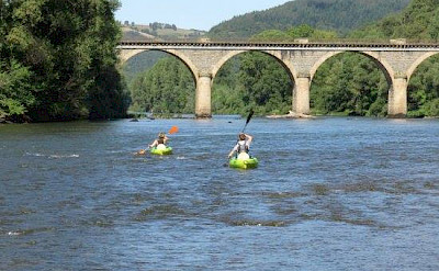 Kayaking is also available at Hotel-Restaurant Les Magnolias in Plaisance, Aveyron, France. Photo via TO.