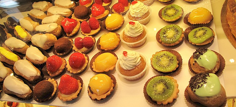 Patisserie in France, oh la la! Photo via Flickr:Annie HARADA VIOT