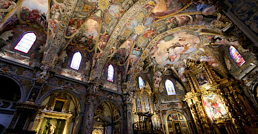Iglesia de San Nicolás de Bari y San Pedro Mártir in Valencia, Spain. Photo via Flickr:Juan Antonio F. Segal