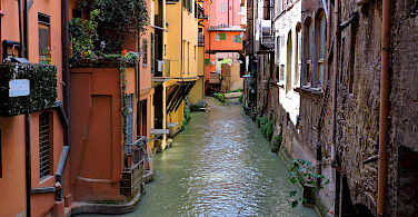 Canale di Reno in Bologna, Emilia-Romagna, Italy. Photo via Flickr:Dimitris Kamaras